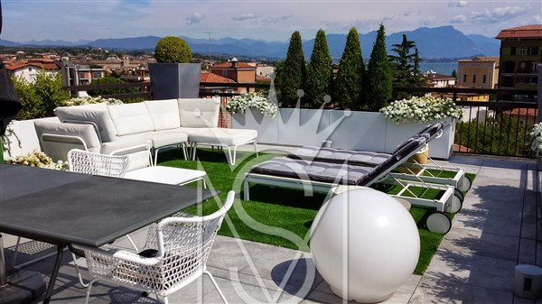 Villa for sale in DESENZANO DEL GARDA, Lombardia